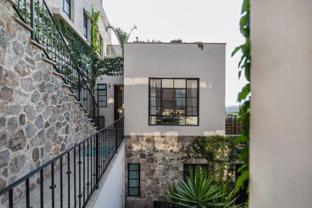 Casa Garita 17B lvrm view across to guest room office