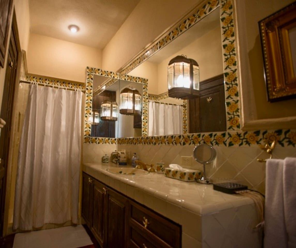 Casa Tres Angeles shared guest bath