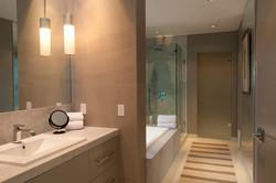 Casa Alegria bedroom 2 2nd floor bath si