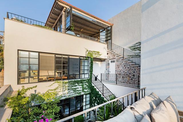 Casa Garita 17B exterior view of 2nd level