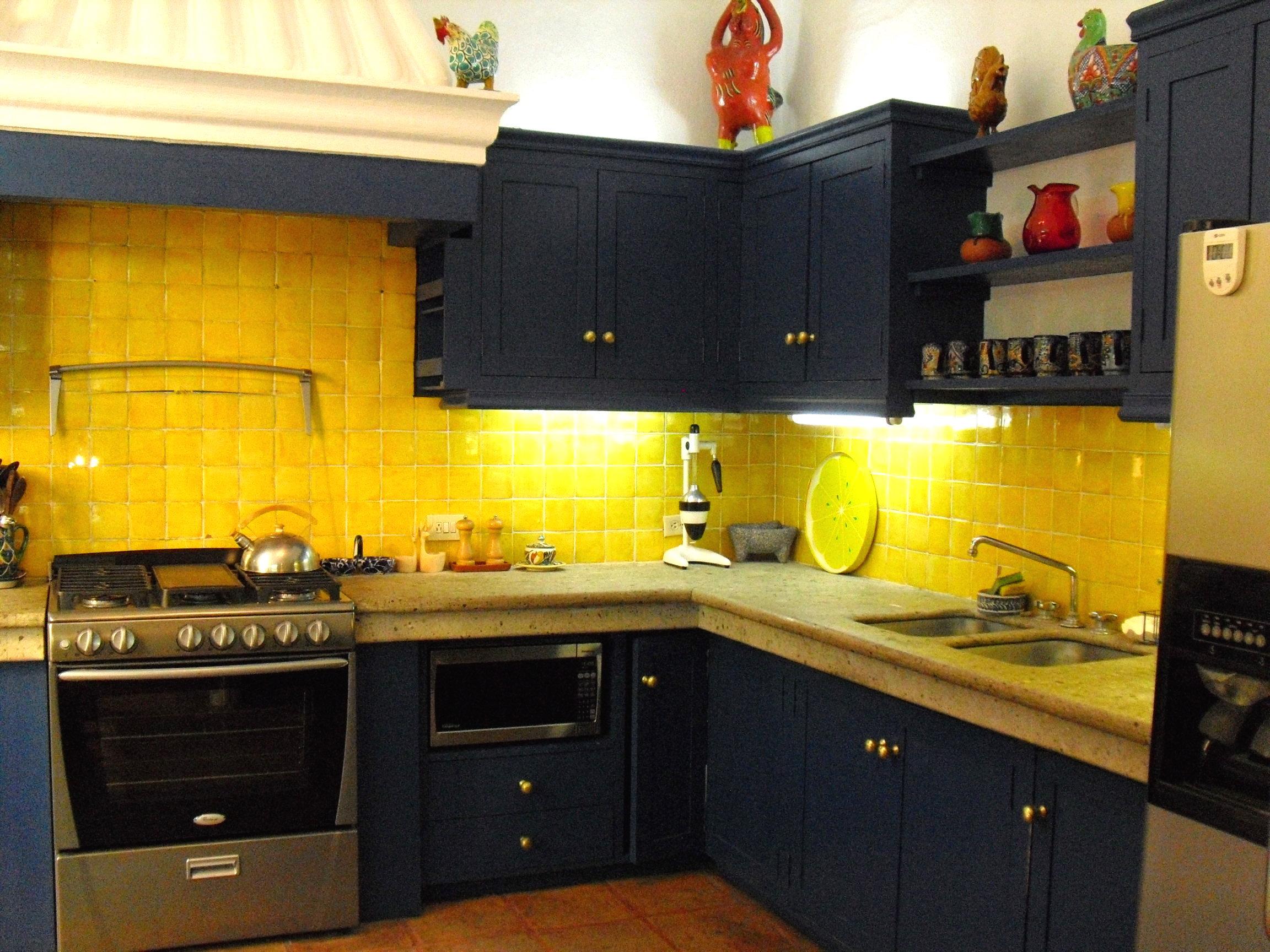 CasaEstrellaGrande_05 kitchen