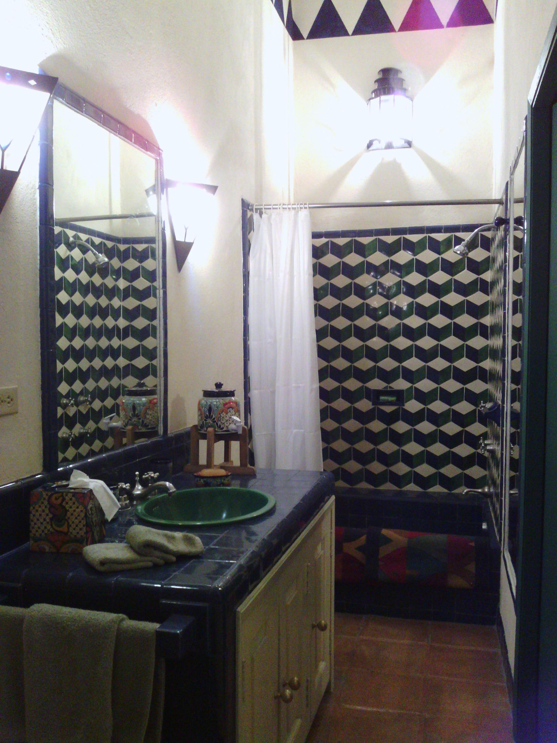 CasaEstrellaGrande_12 guest bath