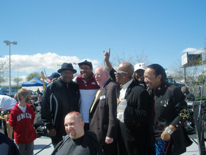 STONE CITY BAND  & MAYOR OSCAR GOODMAN 3-13-10 AT _THE KLIP IT FOR __KIDZ_ NVCCF