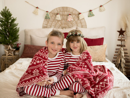 CHRISTMAS MINI SESSIONS NOW AVAILABLE FOR PRE-BOOKING
