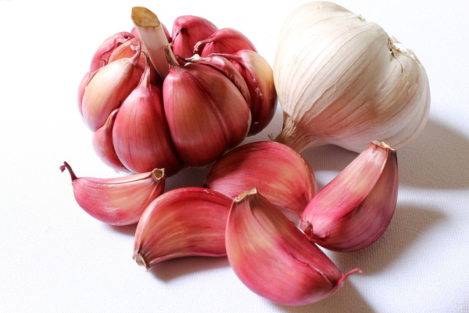 How to stop Ear Pain and Infections with Garlic