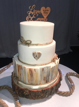 Wood styled cake.jpg