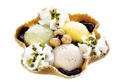 pistachio-hazelnut-cream-ice-cream-waffle-bowl-38732360