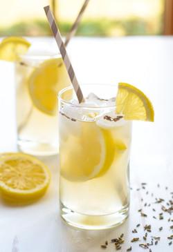 Lavendar-Lemonade.-Easy-beautiful-and-refreshing-600x878