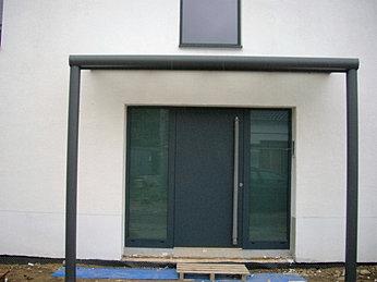 haust ren berdachungen vordach preise und angebot. Black Bedroom Furniture Sets. Home Design Ideas