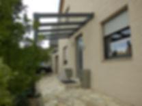 Haustür Überdachung Vordach Oberhausen-Mühlheim aus Aluminium mit LED Licht im Träger. Haustür Überdachung, Vordach Preise,Angebote und Lieferung auf Anfrage wegen Anfertigung.