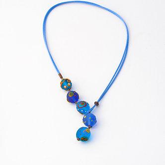 collier cinq perles bleu dépoli