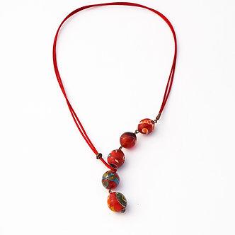 collier cinq perles rouge