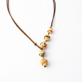 collier 5 perles ivoire et couleurs