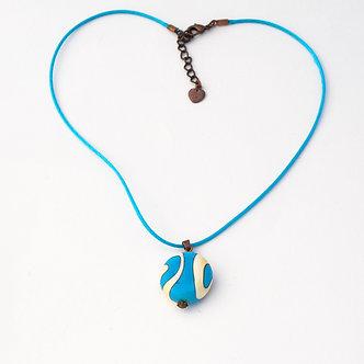 pendentif bleu et ivoire