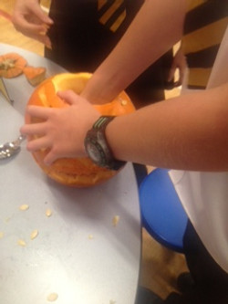 pumpkin carving 2 neilston_edited