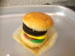 sweety burger st cadocs