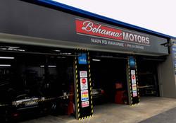 Bohanna Motors Building Signs