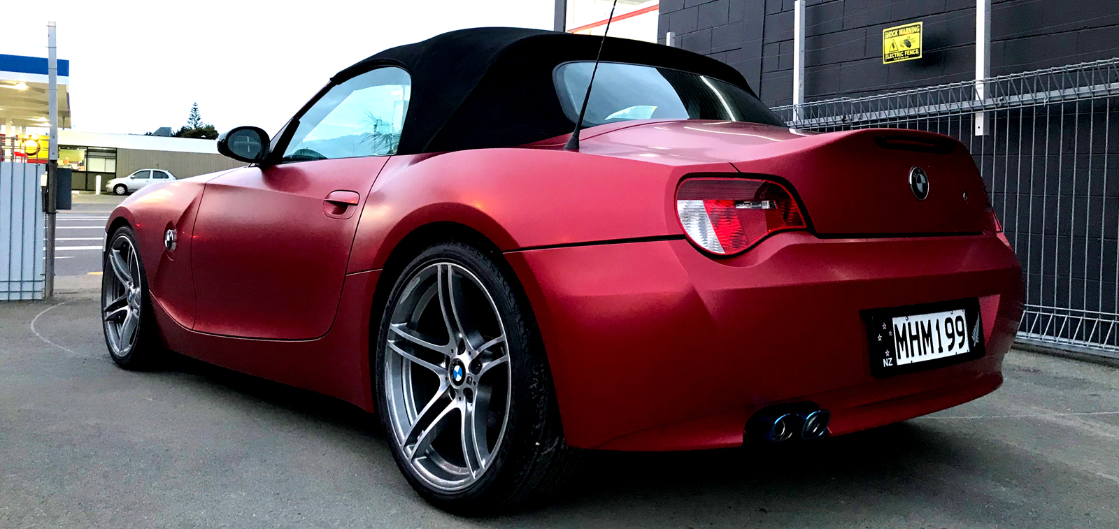 BMW Z4 Satin Vampire Red