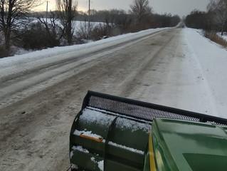 «Гранекс-Черкаси» горнув сніг трактором «Джон Дір»