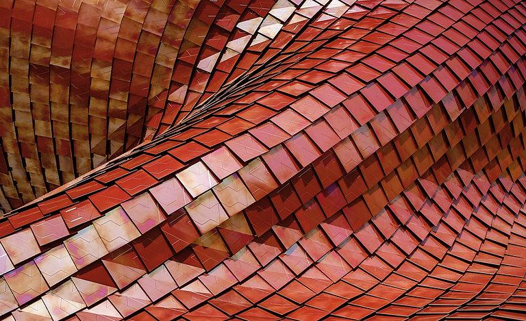 ツイストレッドタイル屋根