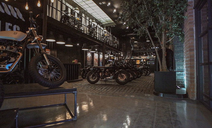 Mutt Motorcycles HQ Showcase - Film Stills [added grain] 3.jpg