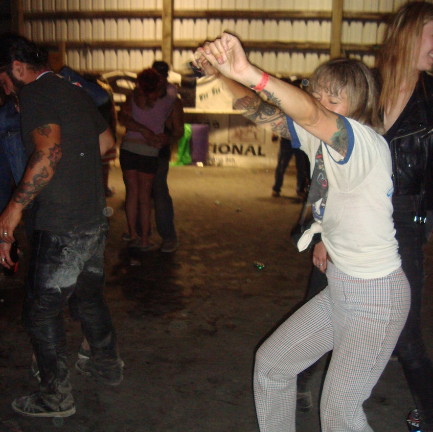 It's a DirtQuakeUSA Dance Party 08474
