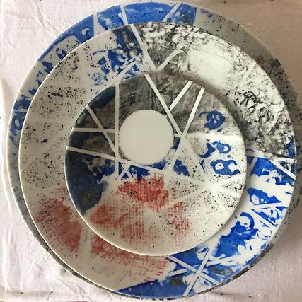 peinture sur porcelaine assiette décor fait main par Adrien Jarrige