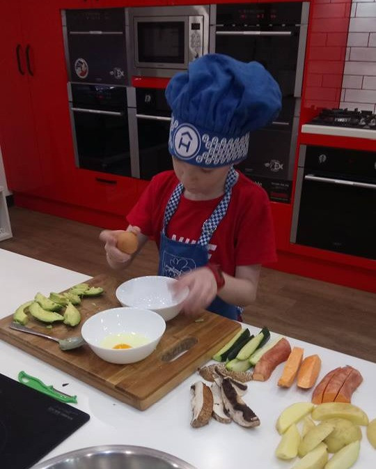 Kids cooking lesson in Adelaide