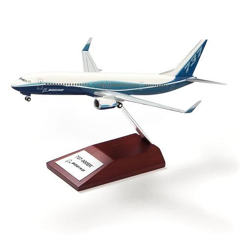 Boeing 737-900ER Plastic 1:200 Model