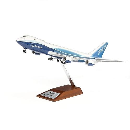 Boeing 747-8 Freighter Plastic 1:200 Model