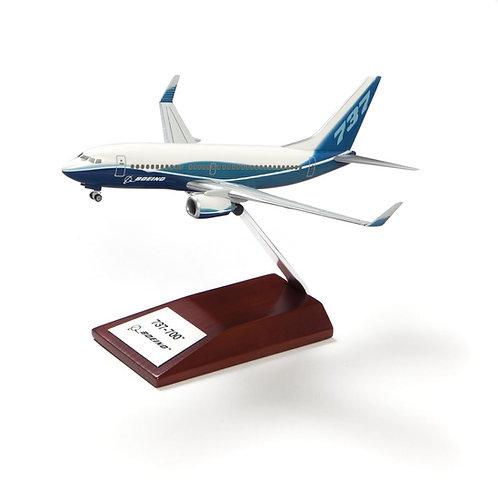 Boeing 737-700 Plastic 1:200 Model