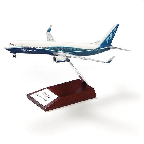 Boeing 737-900 Plastic 1:200 Model