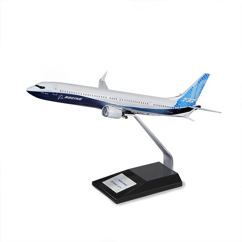 Boeing Unified 737 MAX 10 Plastic 1:100 Model