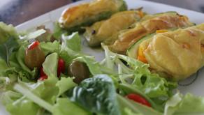 Zuchinni relleno gratinado con fondue! acompañado con patacon