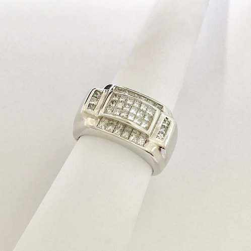 Man's White Gold Diamond Ring
