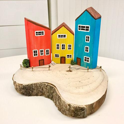 Kleines Dorf aus Holz_