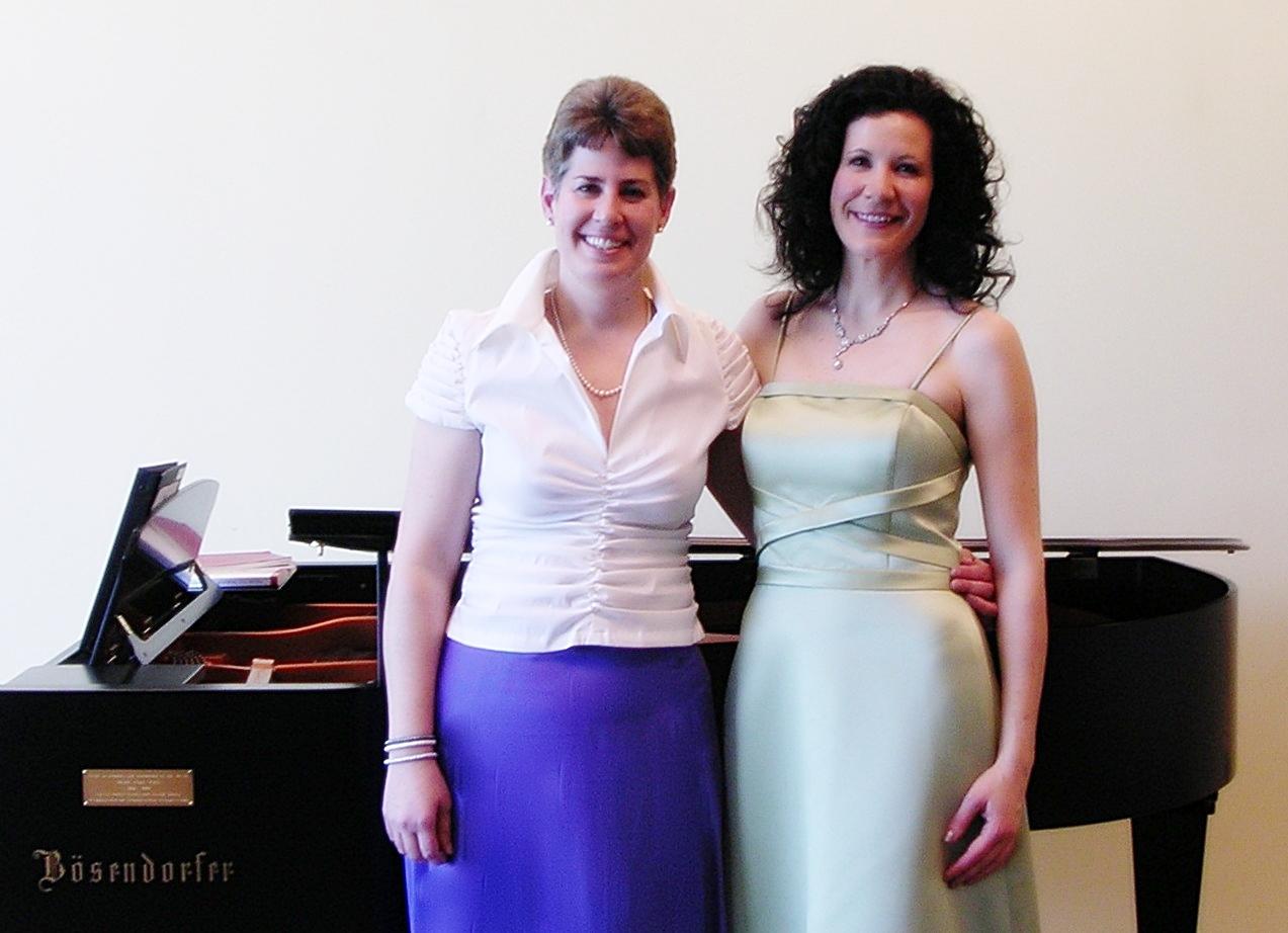 Susan Ricci Rogel, piano