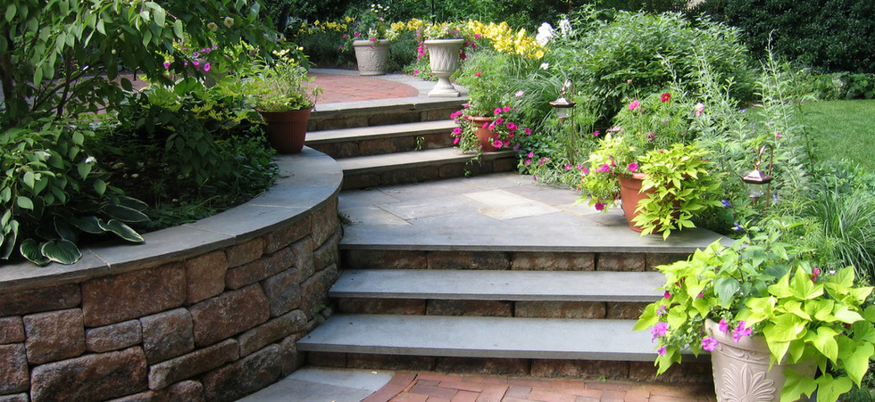 Prizer_Steps-and-Wall_1.jpg