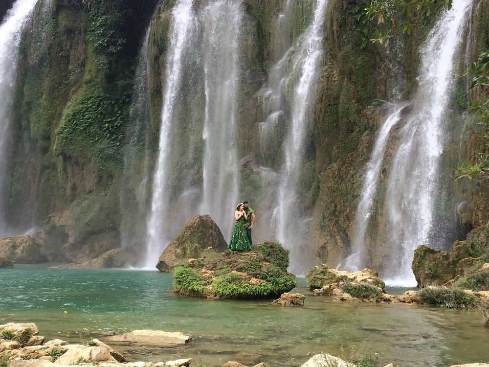 Fixer in Vietnam organized the shoot at Ban Gioc waterfall for Bollywood movies shot in Vietnam.