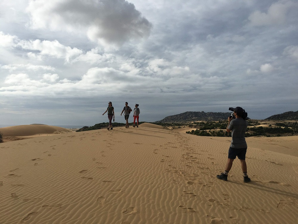Fixer in Vietnam assisted Eagle Creek to film at an amazing sand dune in Ninh Thuan province