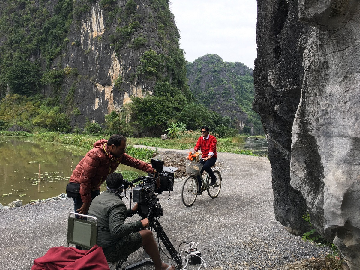 Filming in Vietnam with an Indian film crew in Tam Coc to shoot Bollywood movies song