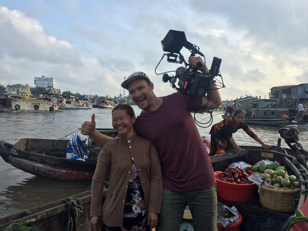 Filming in Vietnam and Luminare Media crew at Cai Rang floating market in early morning