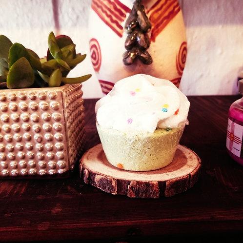 BURFFDAY CAKE CUPCAKE 5 OZ. BATH BOMB
