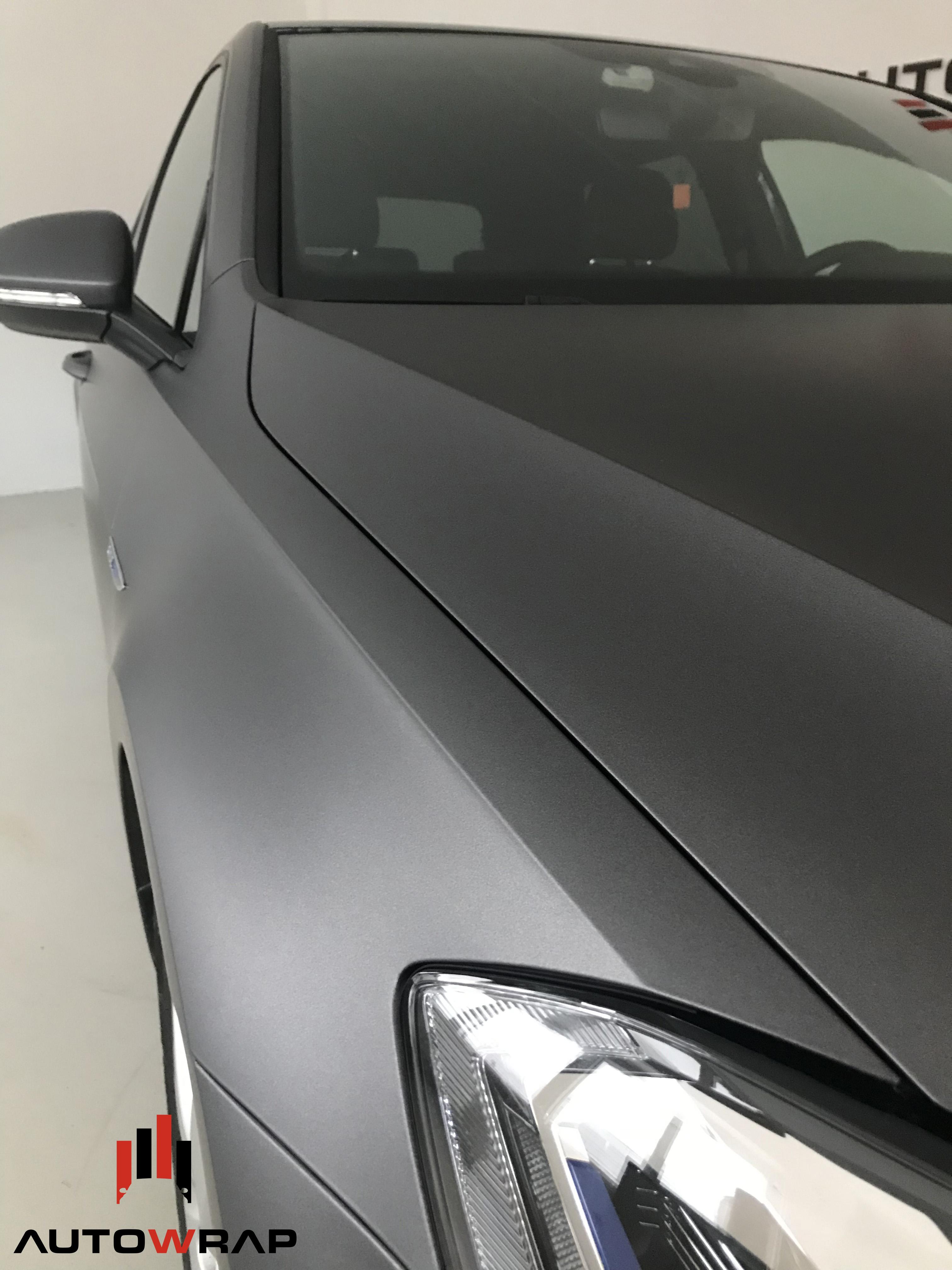Helfoliert i matt grå metallic
