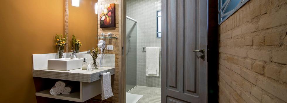 Pousada do Vinhedo - Banheiro Suíte Marz
