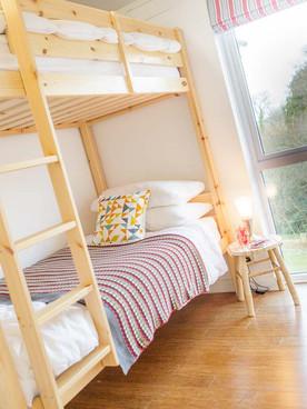 Cherry bedroom - Bunk Beds