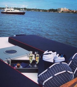 KINGFISHER Champagne & Caviar Cruise
