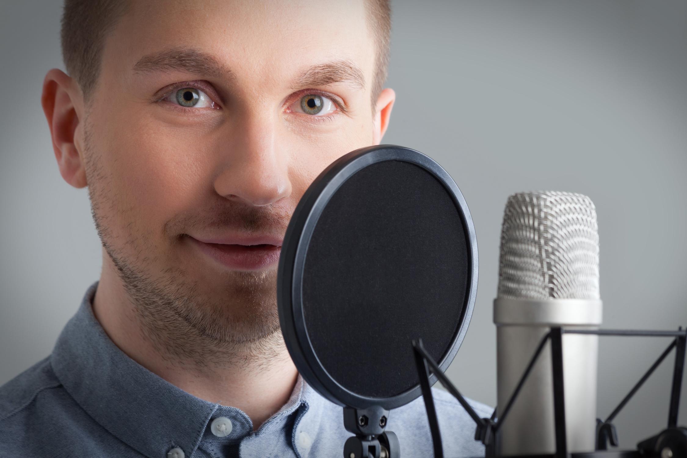 Alexander Doms –Studiosprecher