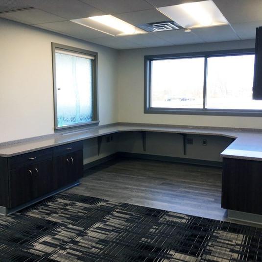 Commerical-Stark-Glass-Receptionist-Area