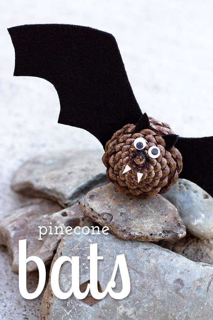 Easy Pine Cone Bats Halloween October Fall Craft Kids